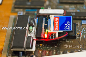 Amiga 500 Intern IDE Interface met CF adapter en kaart (Horizontaal model)